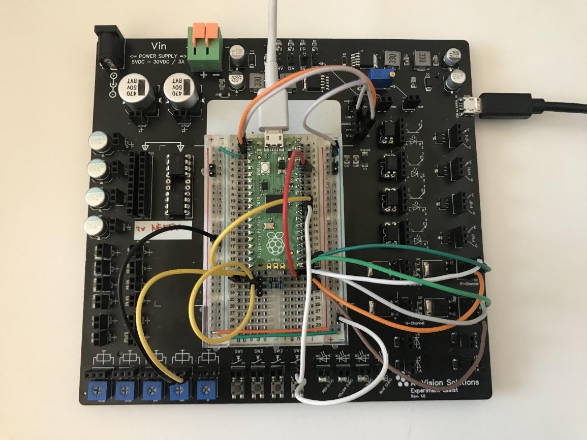 Overzicht Raspberry Pi Pico weerstandmeter op een Experiment assist board